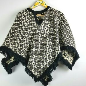 Amazing Reversible Poncho Cape